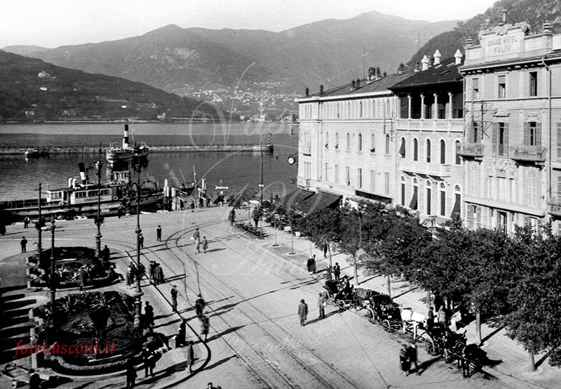 Como piazza Cavour G battello calessini 1929 fotovasconi 3